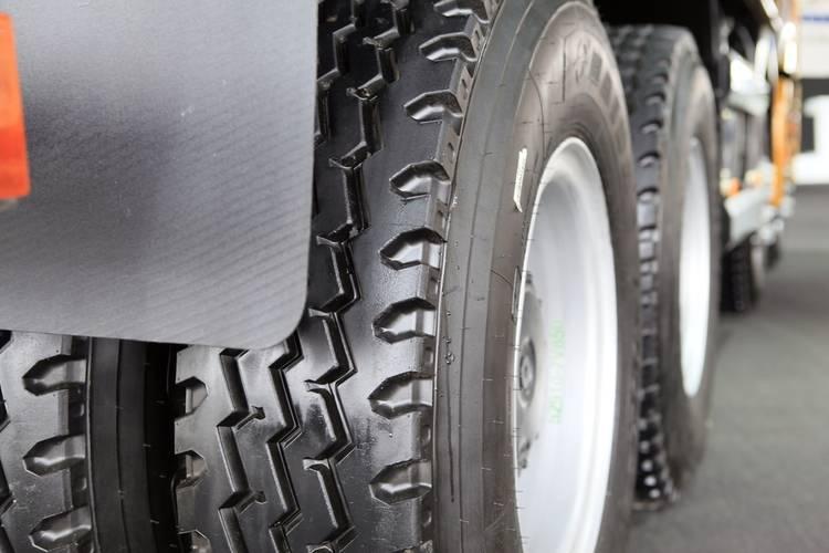 Cuidado Llantas Camión Invierno